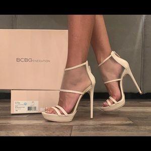 BCBG MaxArzia Cream Leather platform Mesh Heels